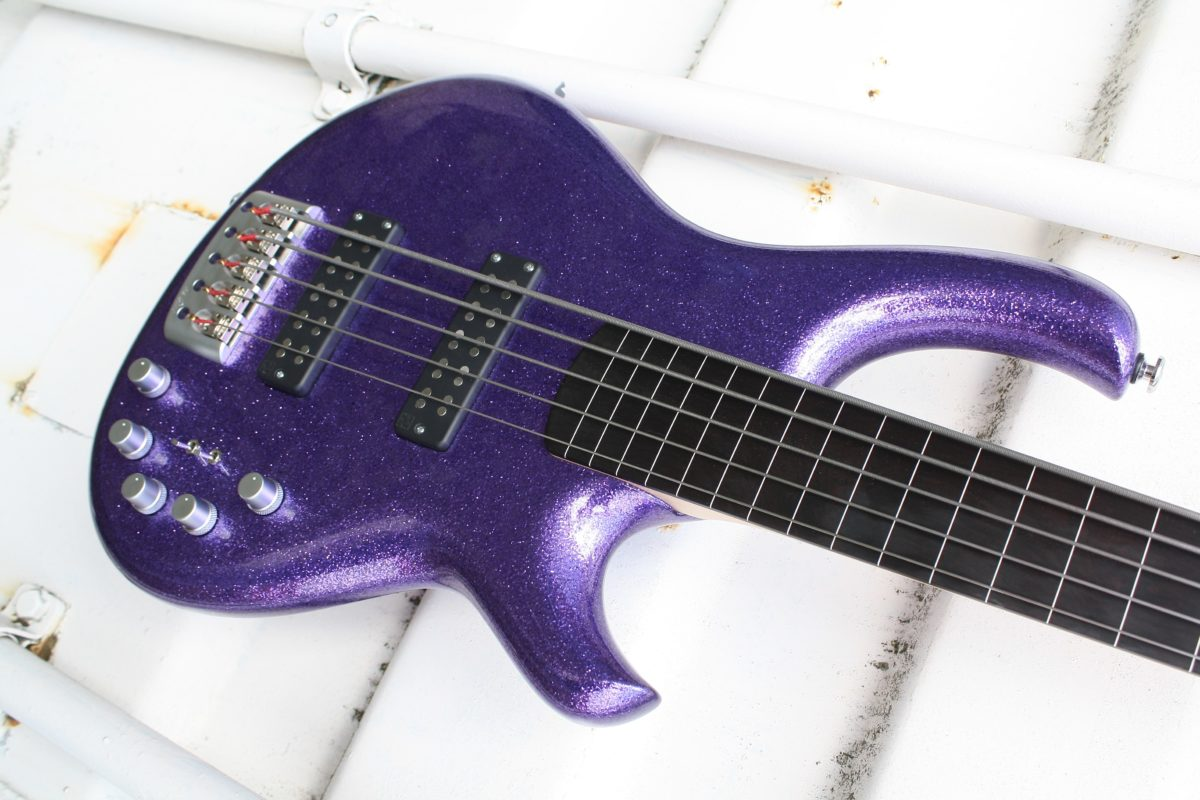 De Gier Origin Fretless Beatnik 5 Purple