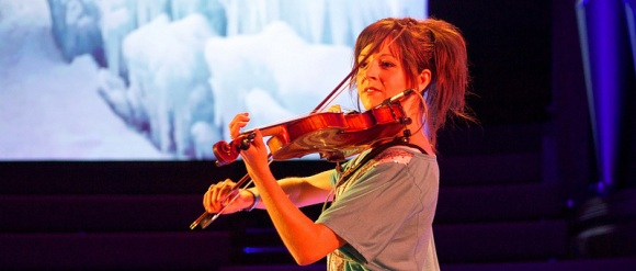 Lindsey Stirling foto door Adam Tinworth